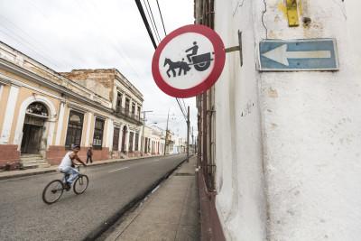 Verkerhrsschild, Cienfuegos, Kuba