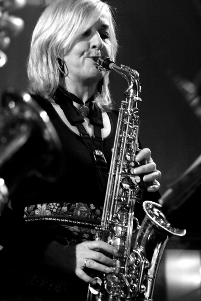 Bettina Scharnowski-Diegel, Altsax & Vocal - Nervenband